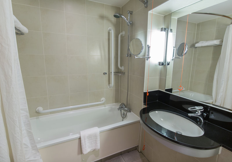 Crowne Plaza Chester-Accessible Bathroom<br/>Image from Leonardo