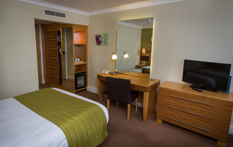 Crowne Plaza Chester-Double Bed Guest Room<br/>Image from Leonardo