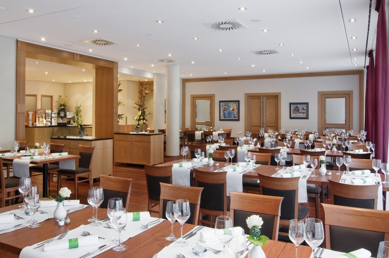 Holiday Inn Nuernberg City Centre-Restaurant St. Jakob Meeting Lunch<br/>Image from Leonardo