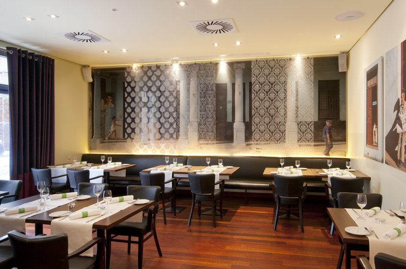 Holiday Inn Nuernberg City Centre-Bar & Brasserie NitriBizz<br/>Image from Leonardo