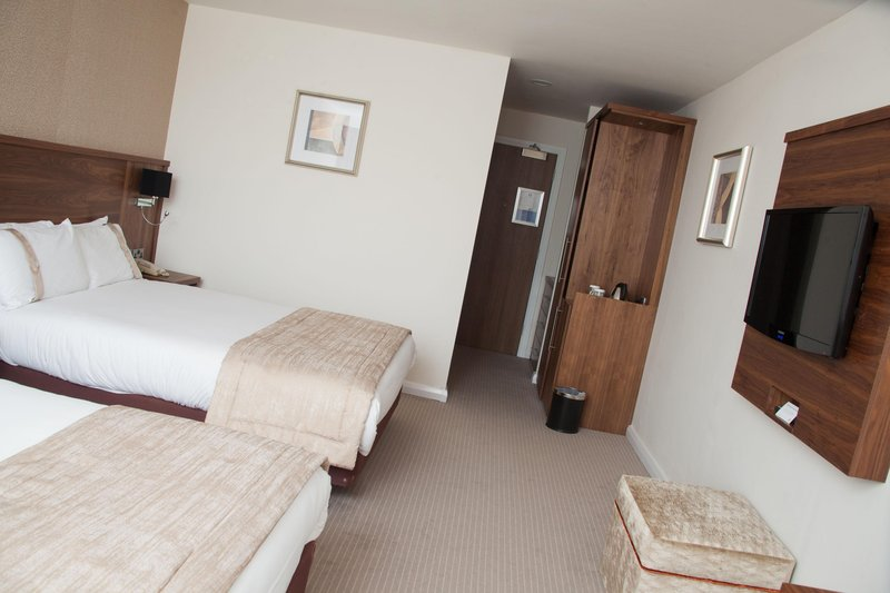 Holiday Inn Newcastle-Jesmond-Feature Twin Room with mini fridge, safe, iron and ironing board<br/>Image from Leonardo
