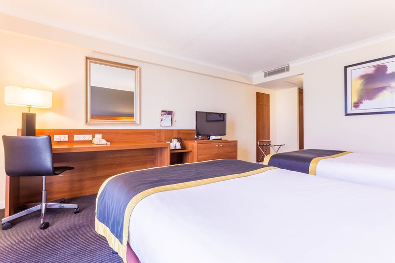 Holiday Inn Newcastle-Jesmond-Spacious Twin Room<br/>Image from Leonardo