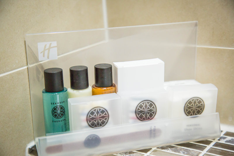 Holiday Inn Newcastle-Jesmond-Executive bathroom amenities<br/>Image from Leonardo