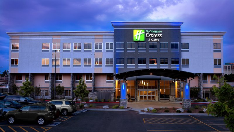 Holiday Inn Express & Suites Colorado Springs Central-Holiday Inn Express & Suites CO Springs Central at dusk<br/>Image from Leonardo