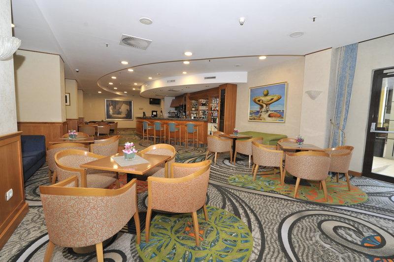 Holiday Inn Skopje-Aperitif Bar<br/>Image from Leonardo