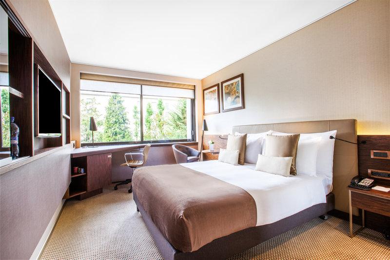 Crowne Plaza Geneva-Standard Room with city or garden view<br/>Image from Leonardo