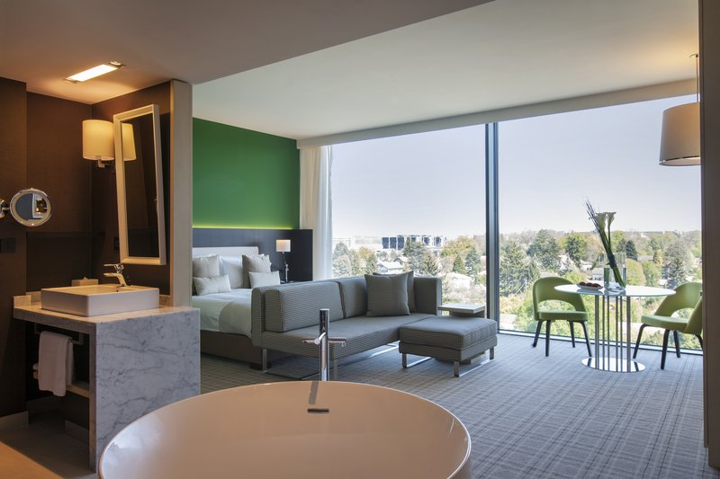 Crowne Plaza Geneva-Club Suite with panoramic views over the city or the mountains<br/>Image from Leonardo