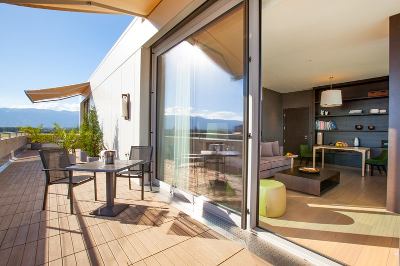 Crowne Plaza Geneva-Private terrace of the King Club Suite<br/>Image from Leonardo