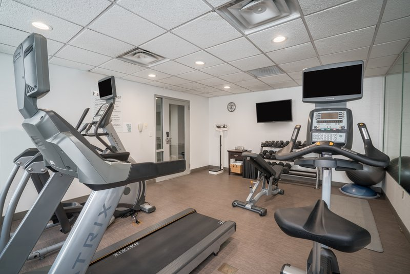 Holiday Inn Atlanta/Roswell-Never miss your fitness regime, Fitness ctr open 24 hours.<br/>Image from Leonardo