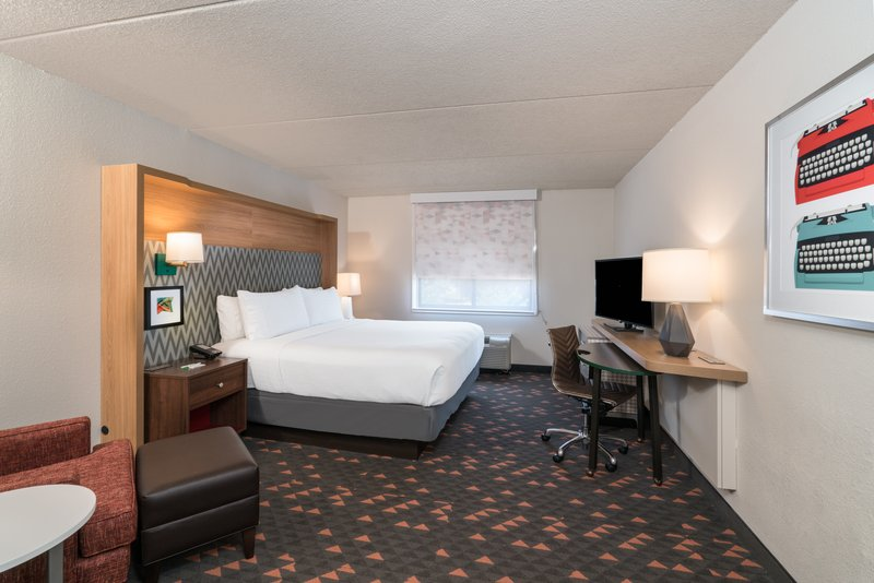 Holiday Inn Atlanta/Roswell-Welcome nook with outlets gadgets? Find this in our King room.<br/>Image from Leonardo