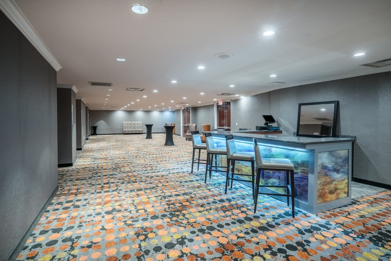 Holiday Inn Atlanta/Roswell-Remodelled 1400 sq.ft Prefunction space, did we say private bar?<br/>Image from Leonardo
