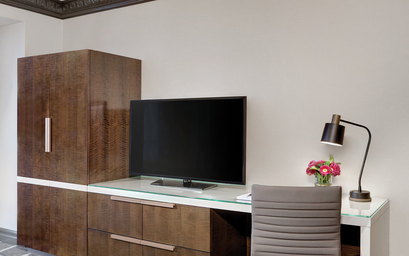 Luxor Resort and Casino - Tower Premium TV And Desk <br/>Image from Leonardo