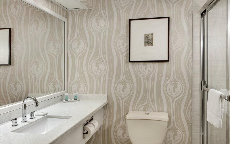 Luxor Resort and Casino-Pyramid Premium Bathroom<br/>Image from Leonardo
