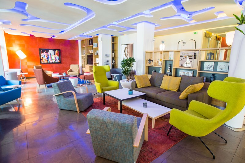 Holiday Inn Cannes-Lounge<br/>Image from Leonardo