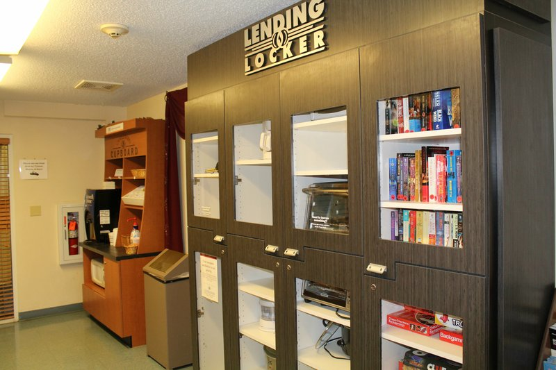 Candlewood Suites Syracuse-Airport-Candlewood Suites Lending Locker.<br/>Image from Leonardo