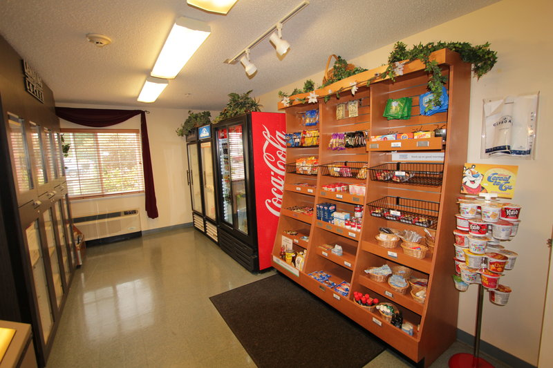 Candlewood Suites Syracuse-Airport-Vending and market <br/>Image from Leonardo