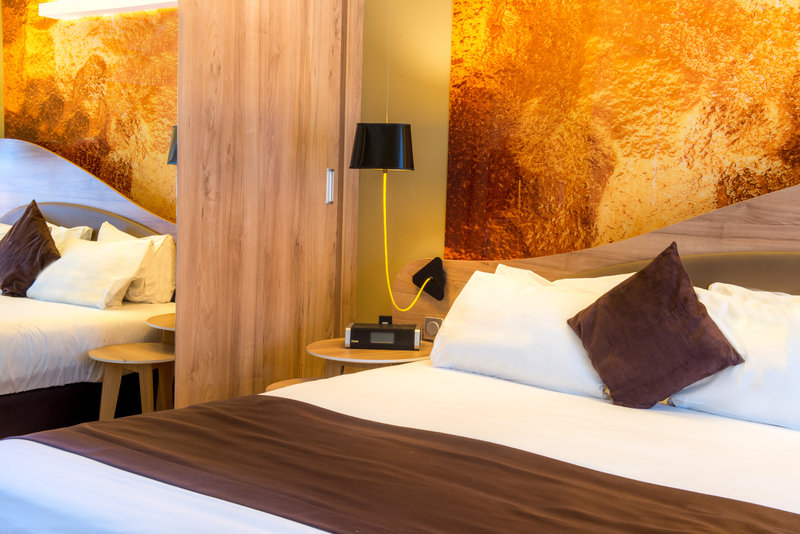 Holiday Inn Reims Centre-Suite Guest Room<br/>Image from Leonardo