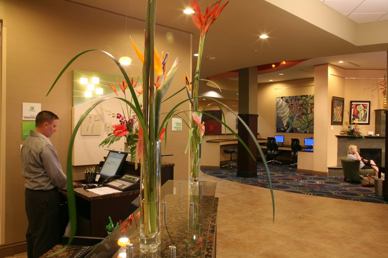 Holiday Inn Omaha Downtown-Airport-24-hr Business Center<br/>Image from Leonardo