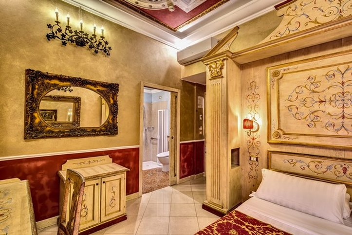 Romanico Palace Hotel - Hcp Room <br/>Image from Leonardo