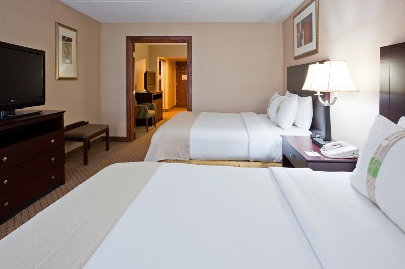 Holiday Inn Hotel & Suites Wausau-Rothschild-Suite<br/>Image from Leonardo