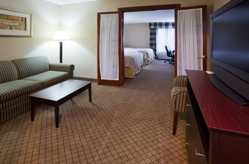 Holiday Inn Hotel & Suites Wausau-Rothschild-Guest Room<br/>Image from Leonardo