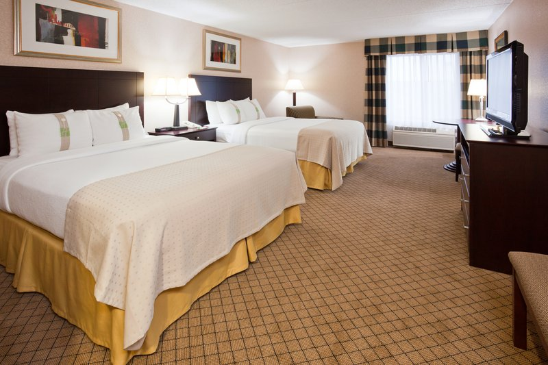 Holiday Inn Hotel & Suites Wausau-Rothschild-Double Bed Guest Room<br/>Image from Leonardo