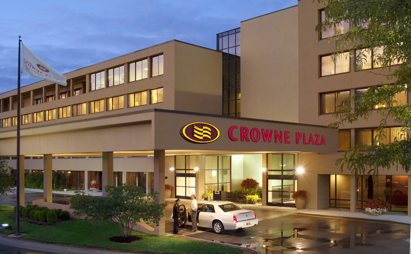 Crowne Plaza Indianapolis - Airport-Best hotel to stay few minutes away from the Indianapolis Airport.<br/>Image from Leonardo