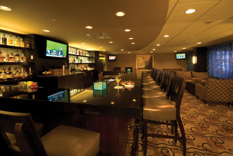 Crowne Plaza Indianapolis - Airport-Enjoy signature cocktail mixes at The Outer Marker Lounge.<br/>Image from Leonardo