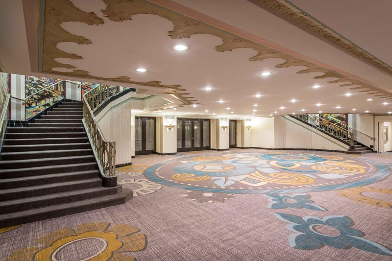 Hilton Cincinnati Netherland Plaza-Hall of Mirrors Foyer<br/>Image from Leonardo