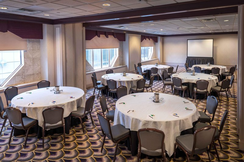 Hilton Cincinnati Netherland Plaza-Salon H & I Meeting Room<br/>Image from Leonardo