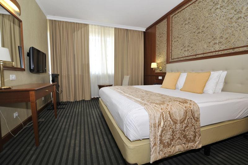 Holiday Inn Skopje-Senior Suite<br/>Image from Leonardo