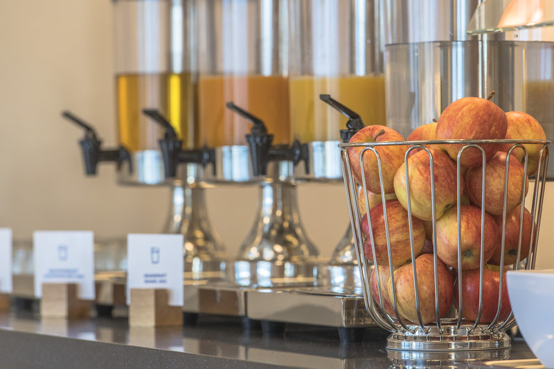 Holiday Inn Express Luzern - Neuenkirch-Breakfast Bar<br/>Image from Leonardo
