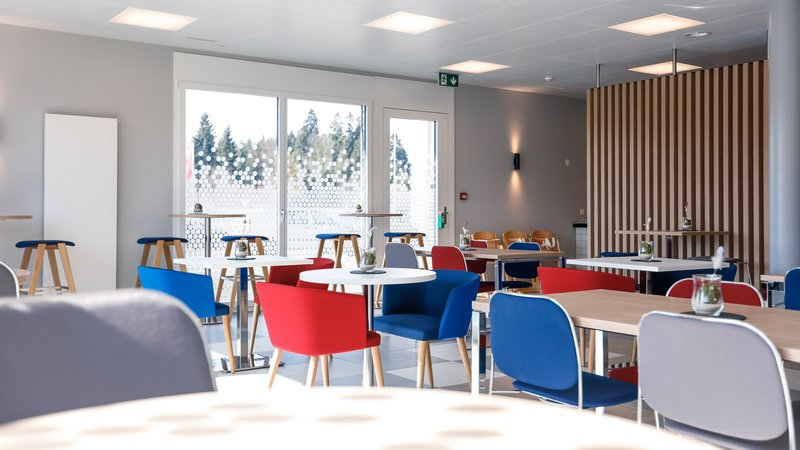 Holiday Inn Express Luzern - Neuenkirch-Breakfast Area<br/>Image from Leonardo