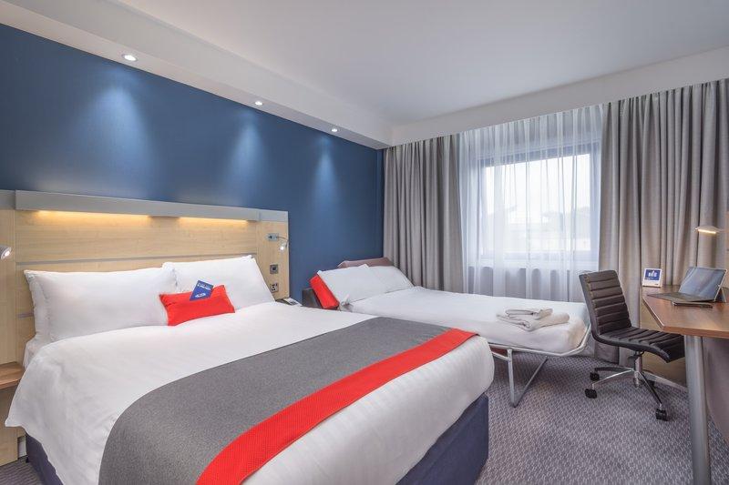 Holiday Inn Express Kettering-Guest Room<br/>Image from Leonardo