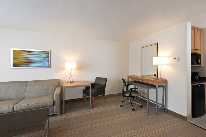 Holiday Inn Express Fraser - Winter Park Area-Executive Suite Living Area<br/>Image from Leonardo