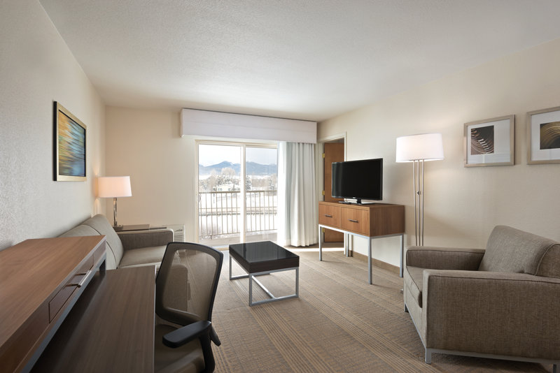 Holiday Inn Express Fraser - Winter Park Area-Queen Suite Living Area<br/>Image from Leonardo
