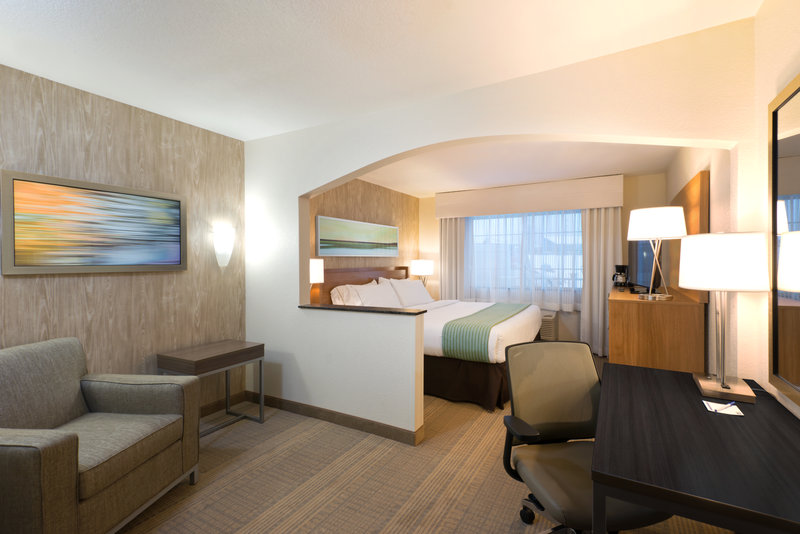 Holiday Inn Express Fraser - Winter Park Area-ADA/Handicapped Accessible King Guest Room<br/>Image from Leonardo