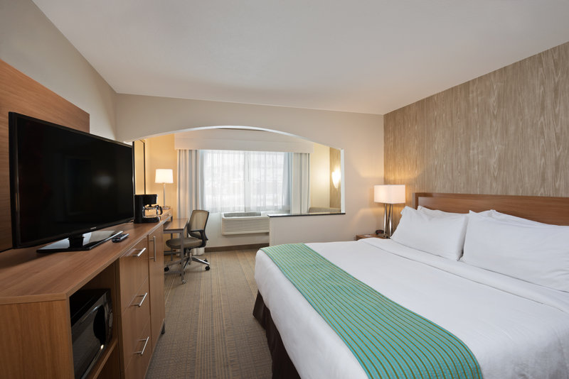 Holiday Inn Express Fraser - Winter Park Area-Spacious King Guest Room<br/>Image from Leonardo