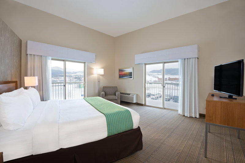 Holiday Inn Express Fraser - Winter Park Area-Executive Suite with Balconies<br/>Image from Leonardo