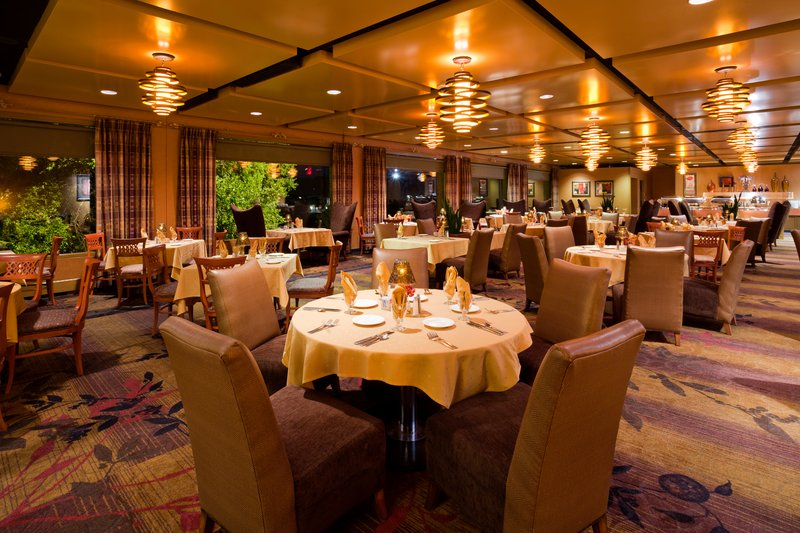 Crowne Plaza Minneapolis West-The Creekside Cafe<br/>Image from Leonardo