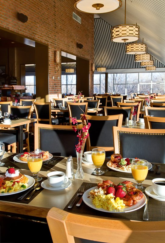 Crowne Plaza Minneapolis West-Europa dining room<br/>Image from Leonardo