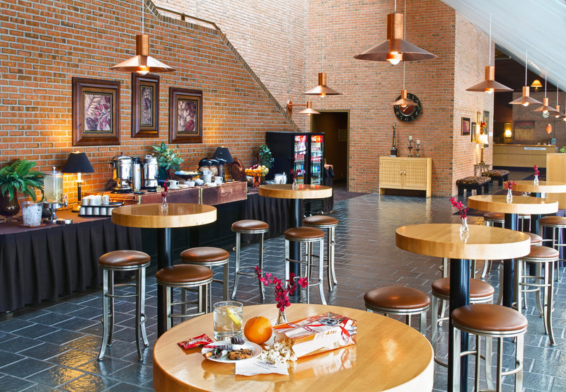 Crowne Plaza Minneapolis West-Restaurant<br/>Image from Leonardo
