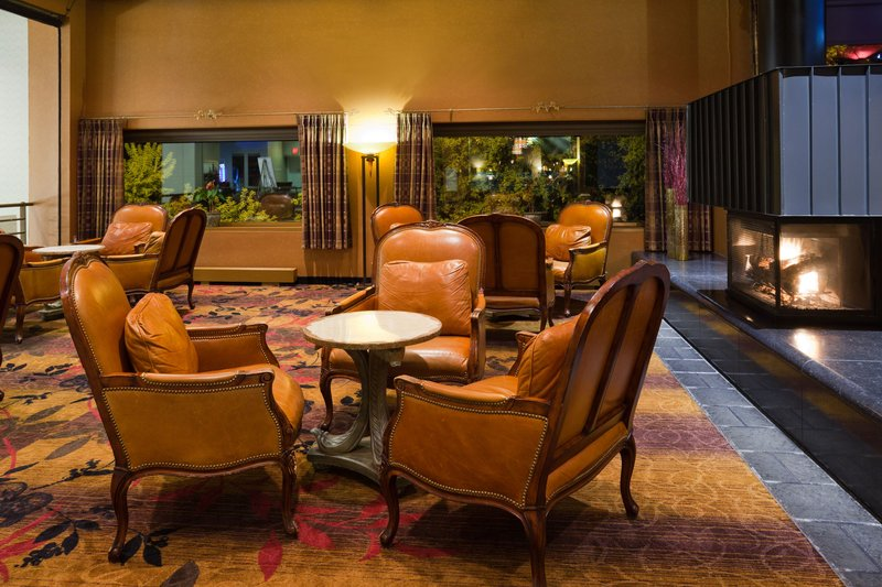 Crowne Plaza Minneapolis West-The Fireside Lounge<br/>Image from Leonardo