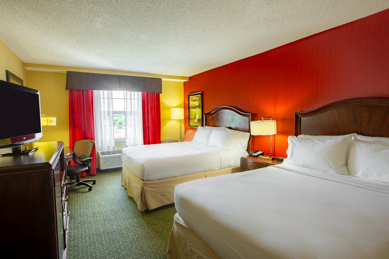 Holiday Inn Express & Suites Williamsburg-Feel well rested with our plush Double size pillow top mattresses.<br/>Image from Leonardo