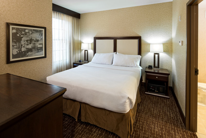 Holiday Inn Resort Deadwood Mountain Grand-Rest your head in our standard king rooms <br/>Image from Leonardo