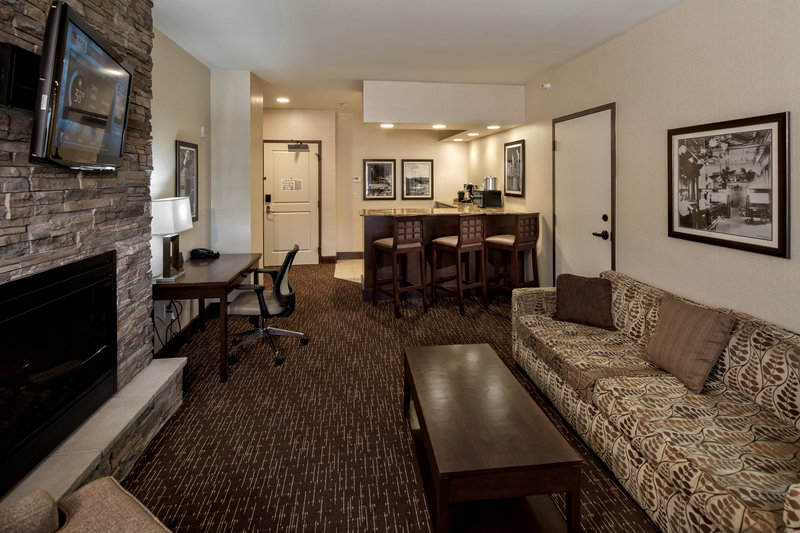 Holiday Inn Resort Deadwood Mountain Grand-Enjoy premium luxury in one of our eight suites.<br/>Image from Leonardo