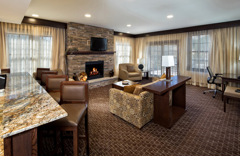 Holiday Inn Resort Deadwood Mountain Grand-The Mountain Harmony Suite, complete with 400 sq. ft outside patio<br/>Image from Leonardo