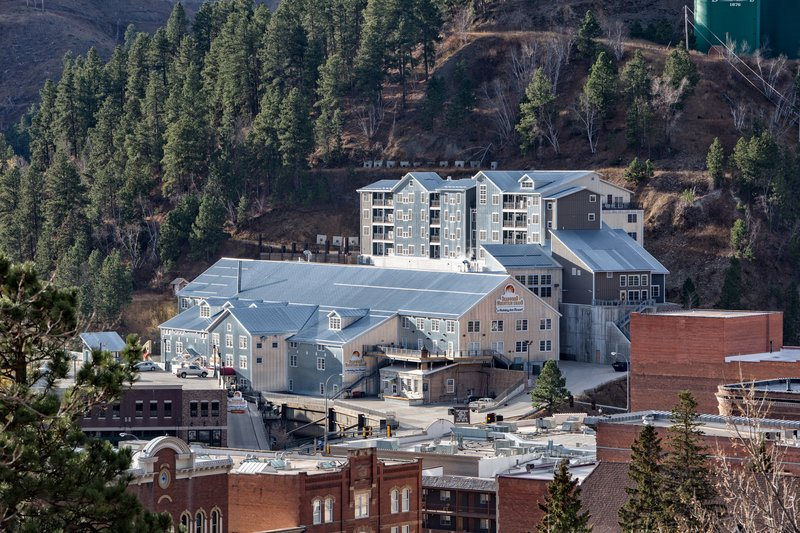 Holiday Inn Resort Deadwood Mountain Grand-Hotel Exterior from historic downtown Deadwood.<br/>Image from Leonardo