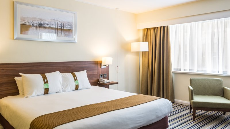 Holiday Inn Brighton - Seafront-Accessible guest bedroom<br/>Image from Leonardo