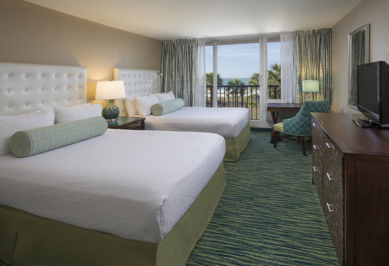 Lido Beach Holiday Inn-Queen Bed Gulf View<br/>Image from Leonardo